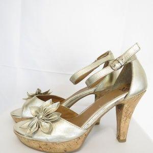 Sofft Women's 7M Heels Metallic Ankle Strap